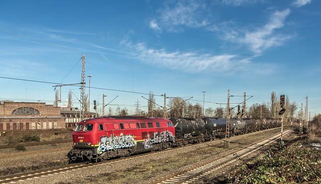 07_2019_02_14_Gelsenkirchen_Bismarck_1225_024_EFM_mit_Kesselwagenzug ➡️ Bottrop_Süd