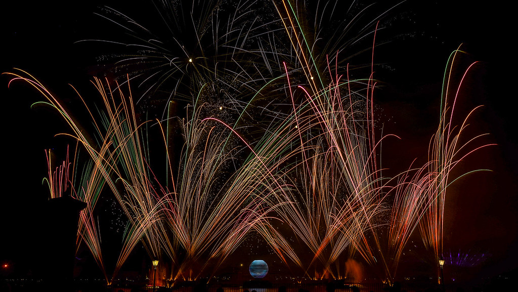 Epcot Illuminations colorful streaks