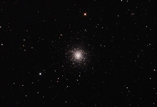 M13 Hercules Globular Cluster Stack_33frames_990s_WithDisplayStretch | by BlackWikkett