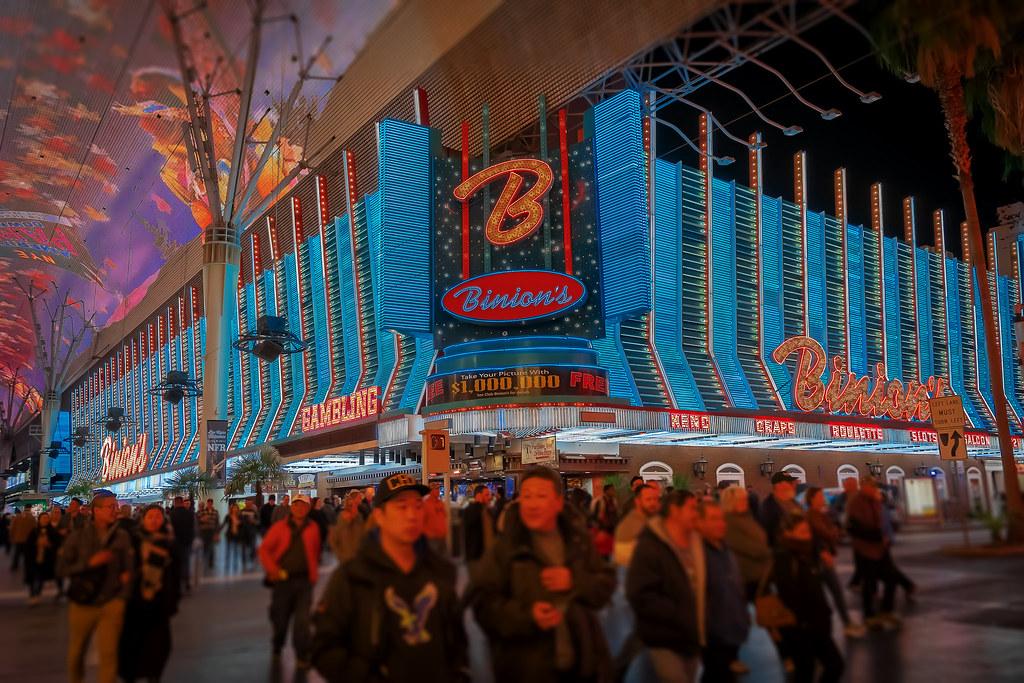 Fremont Street Experience Las Vegas Live! - YouTube