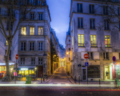Down Any Parisian Street | by Decaseconds