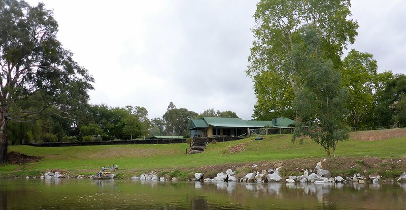 Talmalmo cottage on the Murray near Burrowye bend