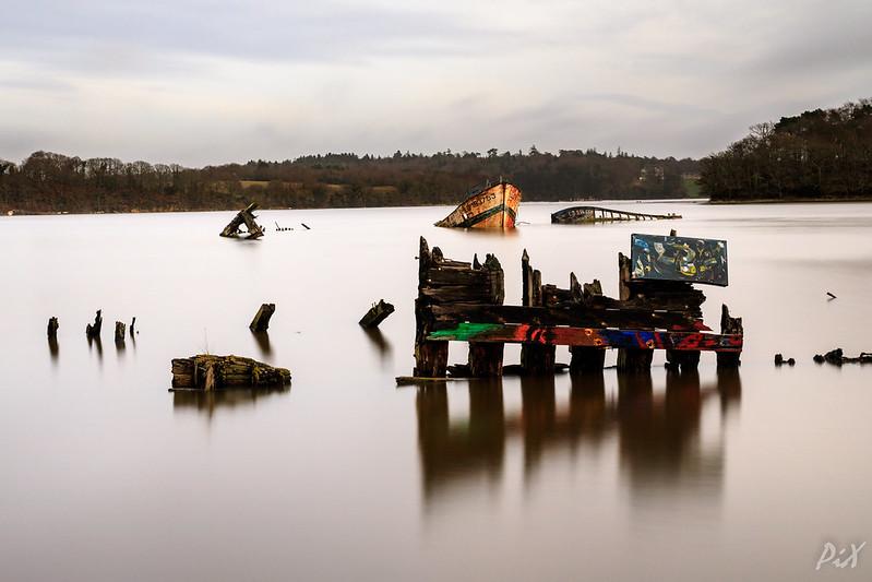PiX  - Eric Gillard | Le cimetière de bateaux de Kerhervy