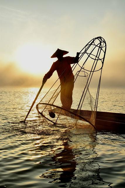 Inle lake sunrise
