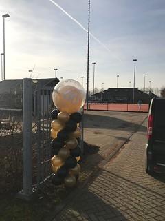 Ballonpilaar Breed Rond 60 Tennisvereniging TVO Oud Beijerland | by Globos Ballonnen