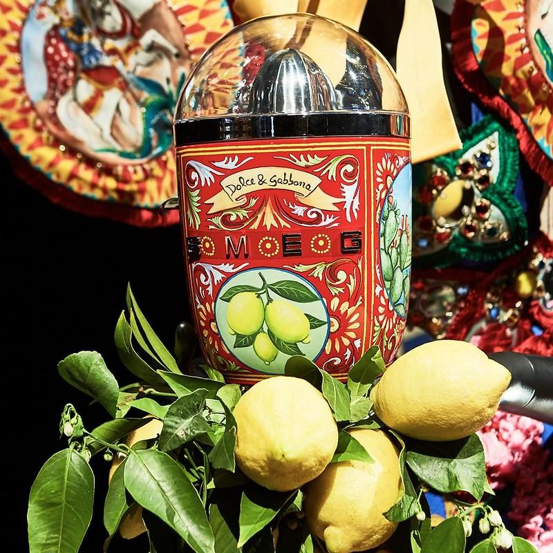 Соковыжималка от Dolce & Gabbana и Smeg