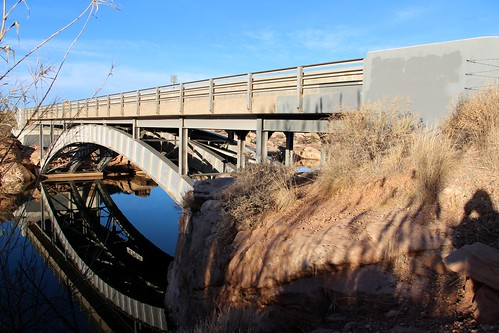 girderribbeddeckarch archbridge deckarch clearcreek navajocounty arizona arizonahistoricbridgeinventory reflection
