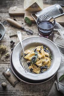 Ravioli alla zucca e pecorino2   by ileana_pavone