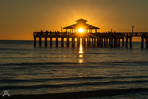 2019 fl florida fortmyersbeach nikon sunset beach silhouette orange pier gulf coast gulfcoast