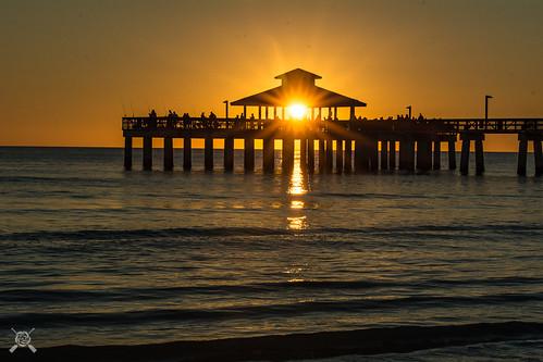 2019 fl florida fortmyersbeach nikon sunset beach silhouette orange pier gulf coast gulfcoast