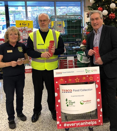 Supporting Foodbank collection in Haddington   by Iain Gray MSP