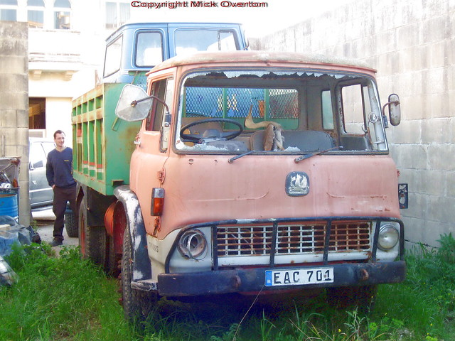 No the dead bird did not break the windscreen on Bedford TK restoration project EAC701 Malta 2012