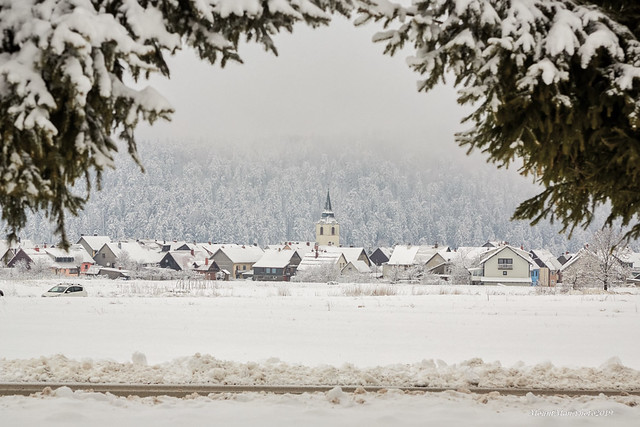 Delnice pod snijegom i maglom