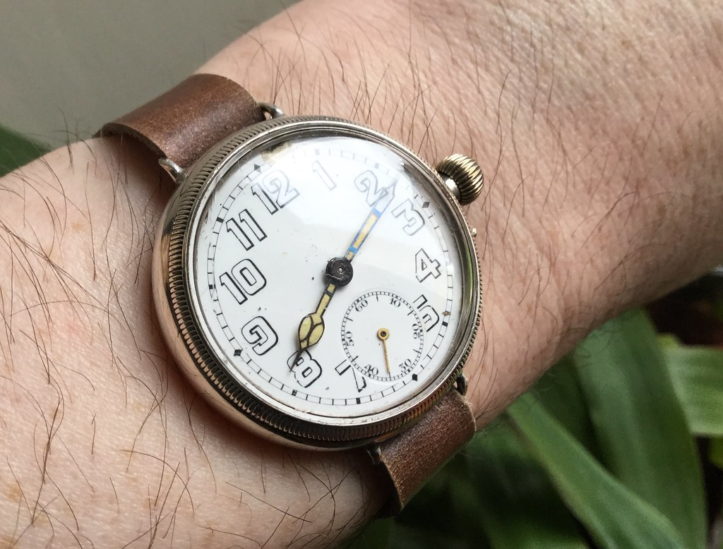 Silver Borgel cased trench watch, pin set, import hallmark Glasgow 1917.