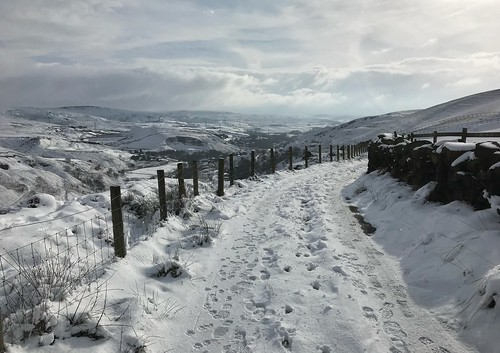 view path walk hills snow winter penninebridleway yorkshire pennines