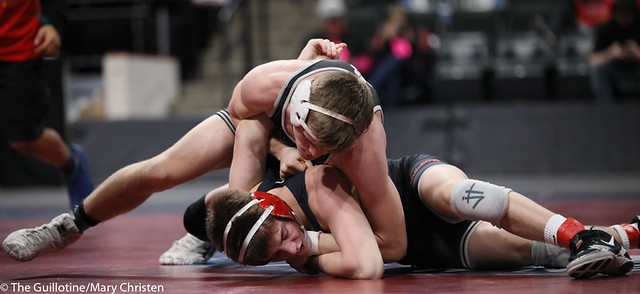 138AA 1st Place Match - Tyler Shackle (Scott West) 44-6 won by decision over Cael Berg (Simley) 36-3 (Dec 5-4) - 190302BMC4545