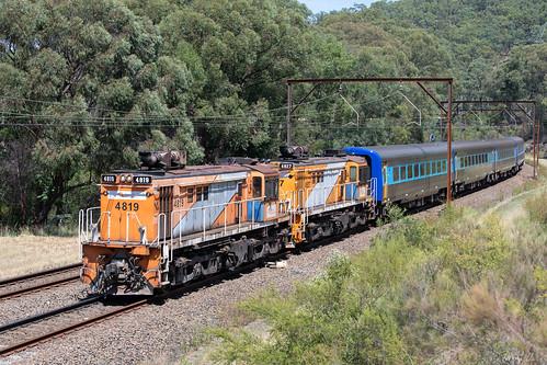 4819 4827 48class alco diesel nswtrainlink ht82 emuplains sydneytrains