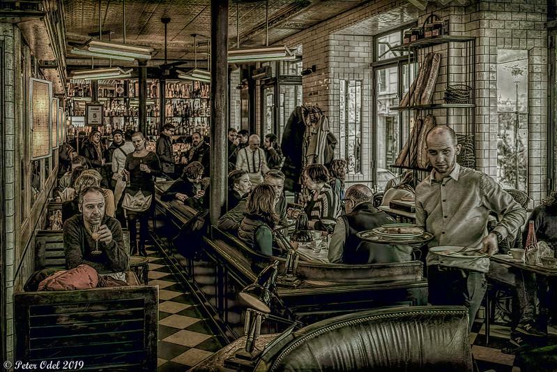 La vie d'un café parisien/life of a parisian café
