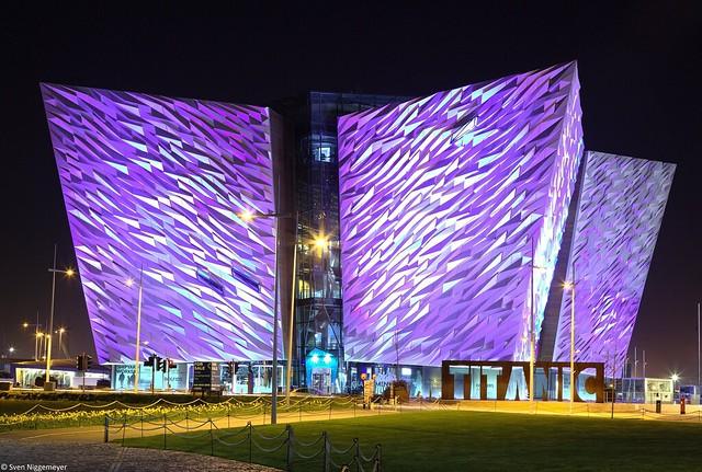 Titanic Museum Belfast bei Nacht am 18.04.18