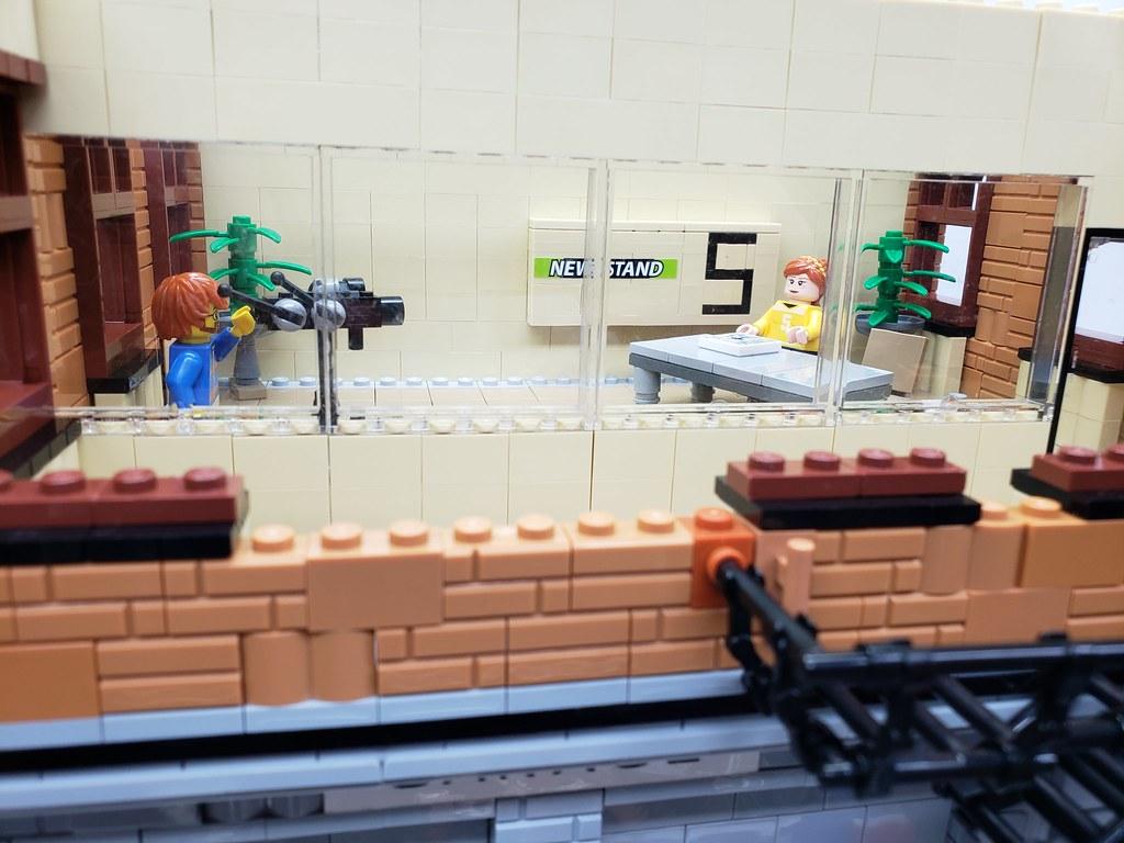 LEGO April O'neil News Station-Teenage Mutant Ninja Turtle