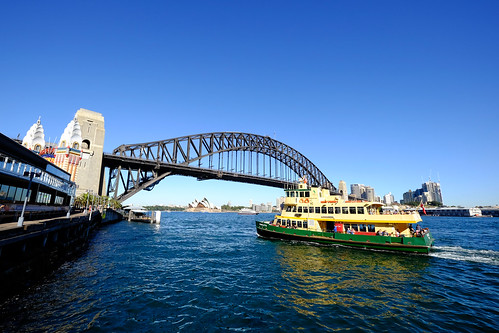 "Ferry ""Charlotte"" approaching Milsons Point 