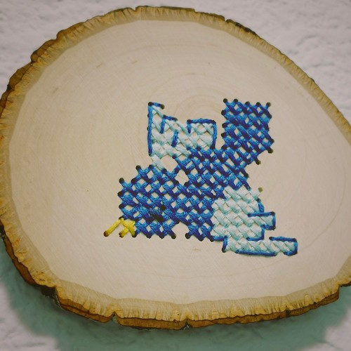 Bird Cross Stitch on Wood Slice | by milly and tilly