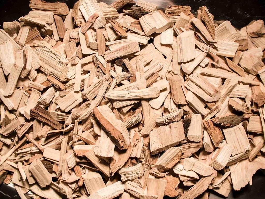 Wood Chips Fresh Mulch Light Colored Cedar Wood Www Yourbe Flickr