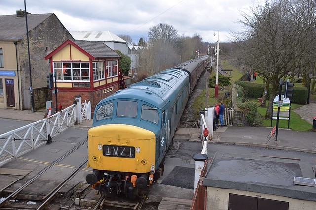 45108 arrives at Ramsbottom, with the 14.00 service from Rawtenstall to Heywood. East Lancs Railway. 31 03 2018
