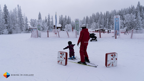 Our 3-year old is learning to ski | by HendrikMorkel