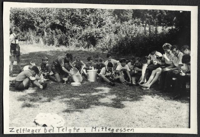 AlbumC169 Bund Neudeutschland, Zeltlager bei Telgte, Mittagsessen, 1949-1950