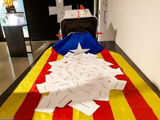 Exposició. 55 Urnes per la Llibertat - Girona
