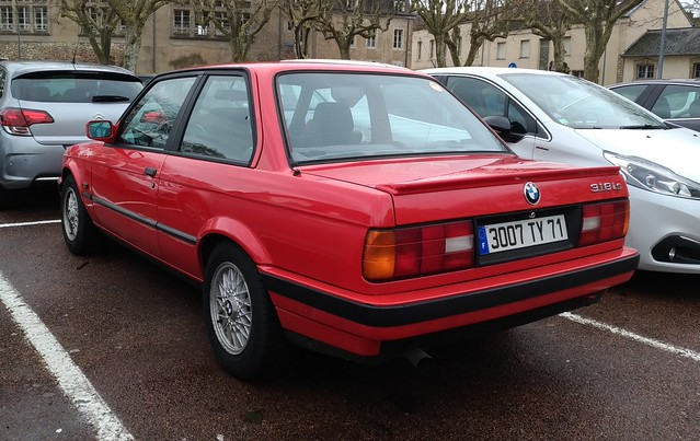 BMW 318is (E30)