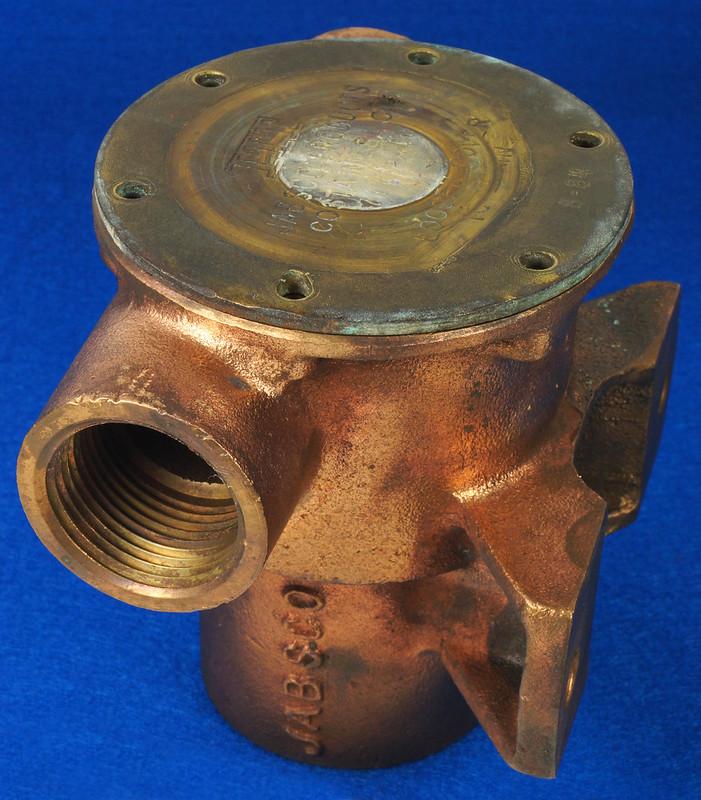 RD26699 Jabsco 2 inch Bronze Pedestal Pump Housing & Plate Only #18370-0000 DSC08787