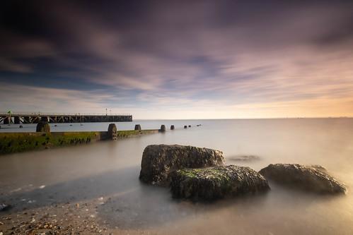 essex shoeburyness southend pier breakwater seaweed longexposure clouds