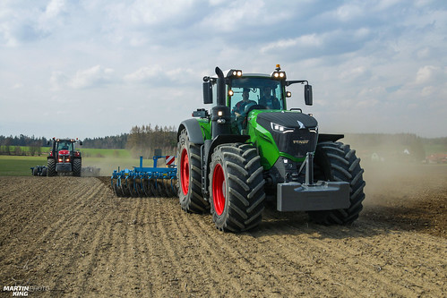 An unexpected encounter of AGCO brothers | FENDT // MASSEY FERGUSON | by martin_king.photo