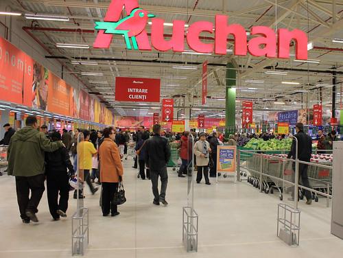 Noicattaro. Licenziamenti Auchan front | by LA VOCE DEL PAESE
