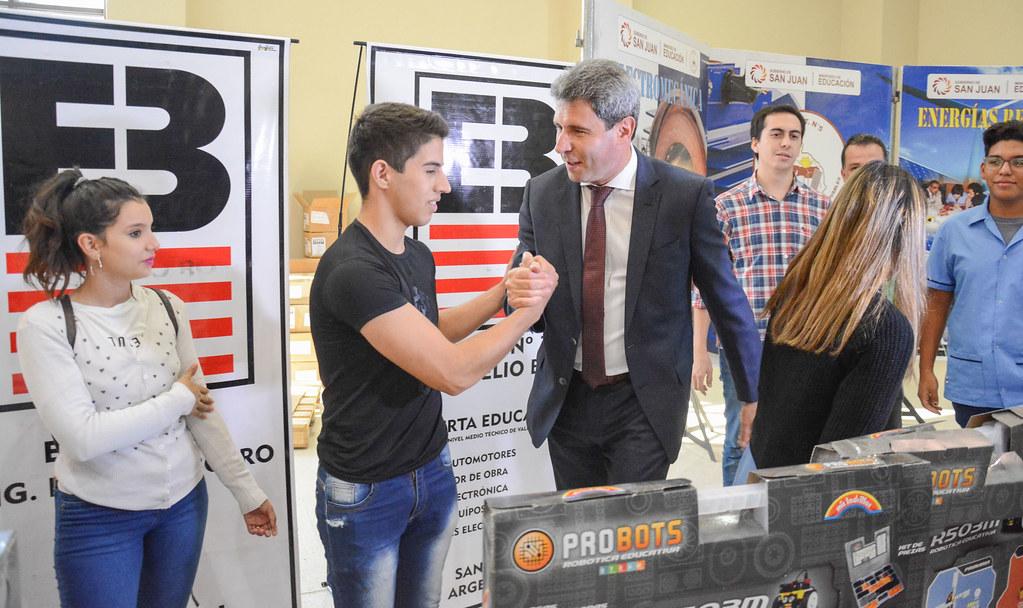 2019-03-11 PRENSA: Entrega de Kits de Robotica a Escuelas Técnicas de la Provincia