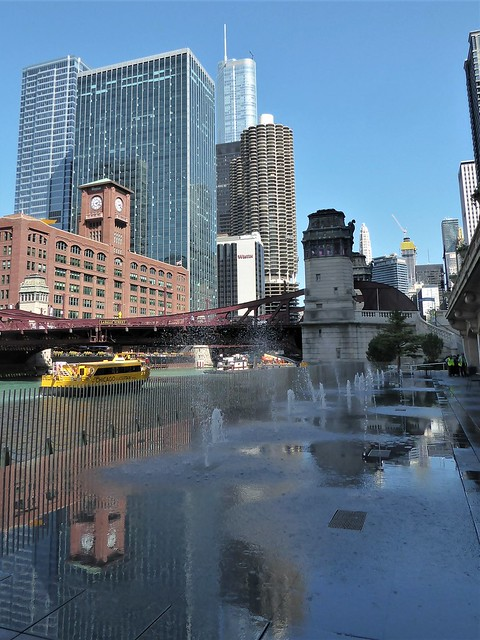 Chicago, Along the Riverwalk, Fountain with Reflections West of the LaSalle St. Bridge