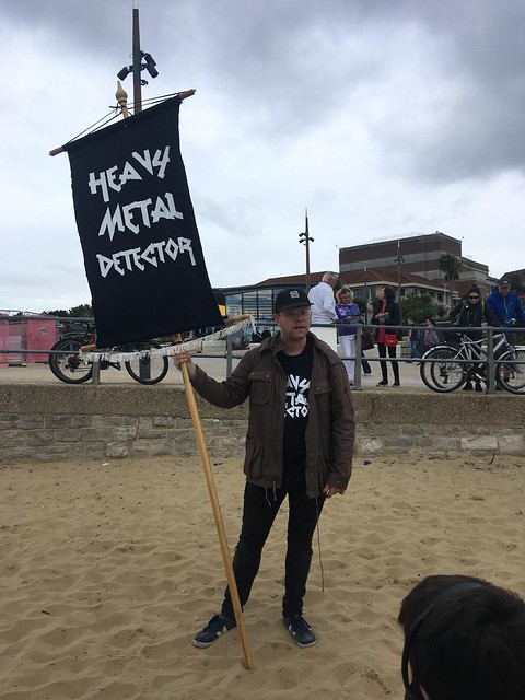 heavy-metal-detector-by-steve-maher-at-arts-by-the-sea-bournemouth-1_32399938058_o