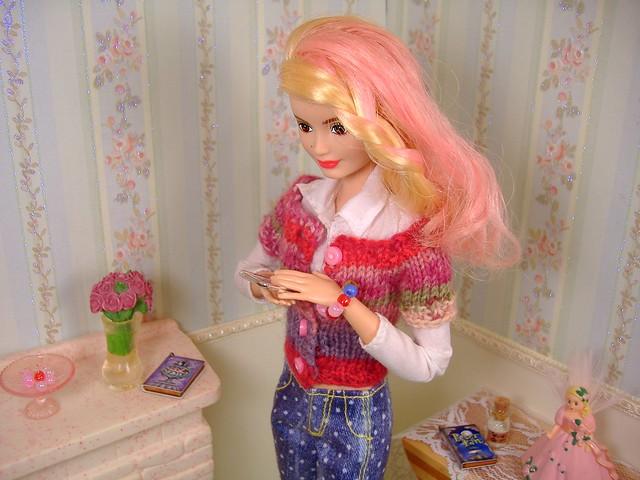 Poppy on Phone #4