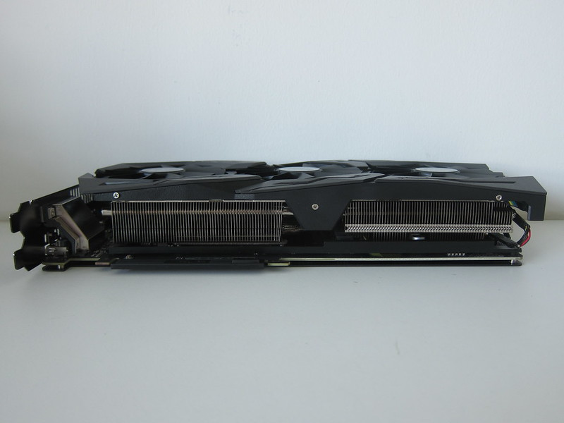 Asus ROG Strix RX VEGA56 OC Edition 8GB - Right