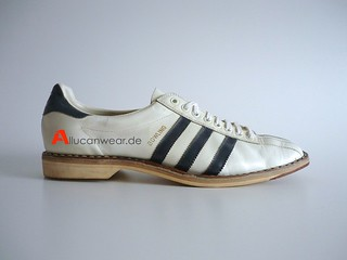 VINTAGE ADIDAS BOWLING SPORT SHOES | by aucwd