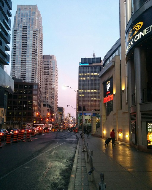 Evening looking south, blue to pink #toronto #yongeandeglinton #yongestreet #evening #skyline #blue #pink #twilight #towers
