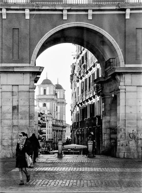 Gateway, Plaza Mayor.