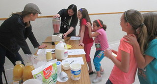 Sopha teaching how to make a healthy sandwich | by Pictures by Ann