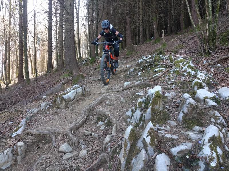 Bajando en bicicleta desde Pagoeta