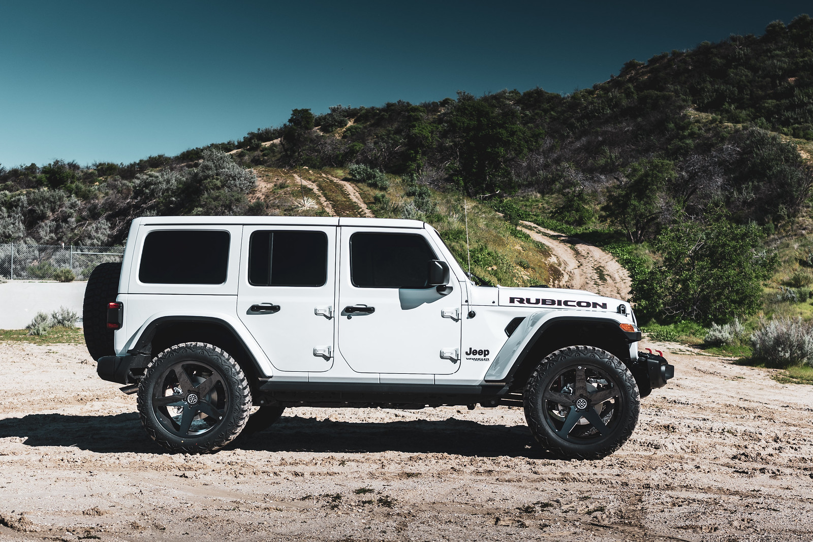 Jeep_Wrangler_BD15_GlossBlack-8