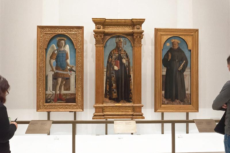 Три створки полиптиха, выполненные для алтаря в Борго Сан Сеполькро - св. Михаил, св. Августин и св. Николай Толентинский