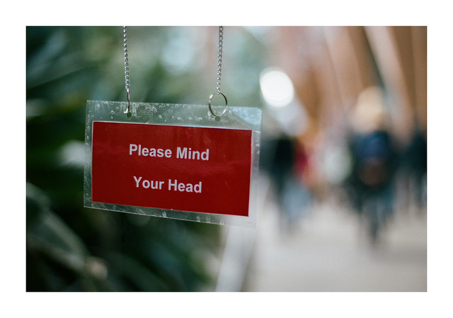 FILM - Please mind your head