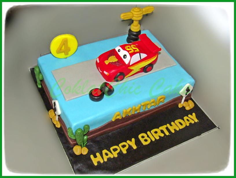 Cake Lightning McQueen AKHTAR 15 x 22 cm